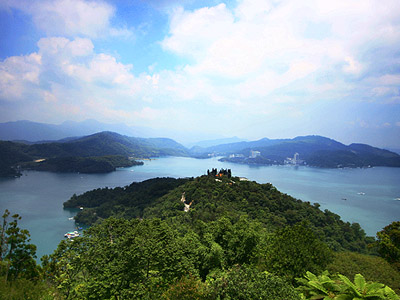 The Legend of Dragon - The Picturesque Beauty of Sun Moon Lake (Tourist Attraction)