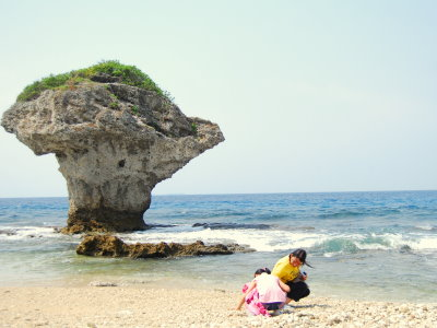 Vase Crag – The Landmark and Guardian of Liouciou (Summer Love at Dapeng Bay)