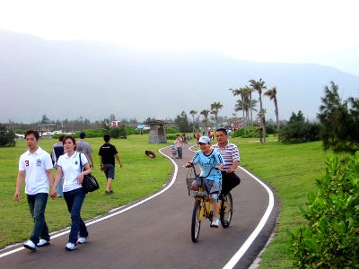 Riding a bike, Walking along the beach and Stargazing at Seven Star Lake (Tourist Attraction)