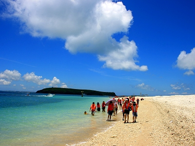 Uninhabited Coral Sand Beach Island – Pengpeng Beach (Penghu East North Sea)