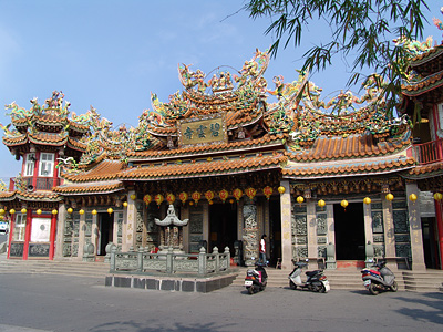 Biyun Temple – The Religious Center of Little Liouciou (Summer Love at Dapeng Bay)