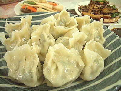 (Spring Festival Traditions) Eating Dumplings During Chinese New Year Brings Fortune!