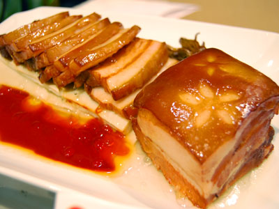 (Spring Festival Traditions) Elaborately Prepared Dishes with Auspicious Meanings and Symbolisms