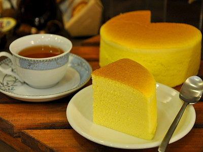 The Soft, Mellow and Moist Taste of French-style Steamed Light Cheesecake