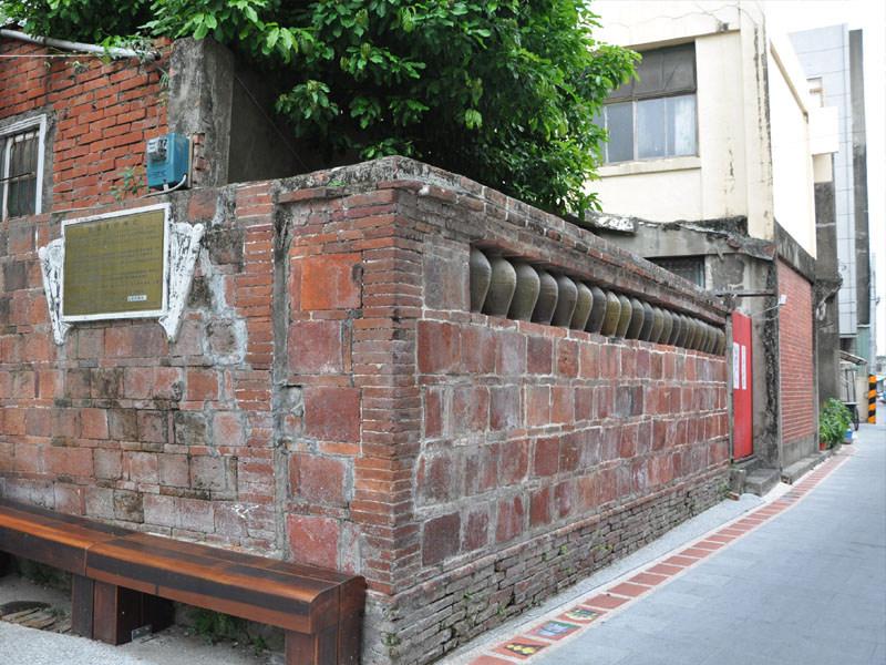 【Attractions】Hundred-year Old History- Beigang Urn Wall