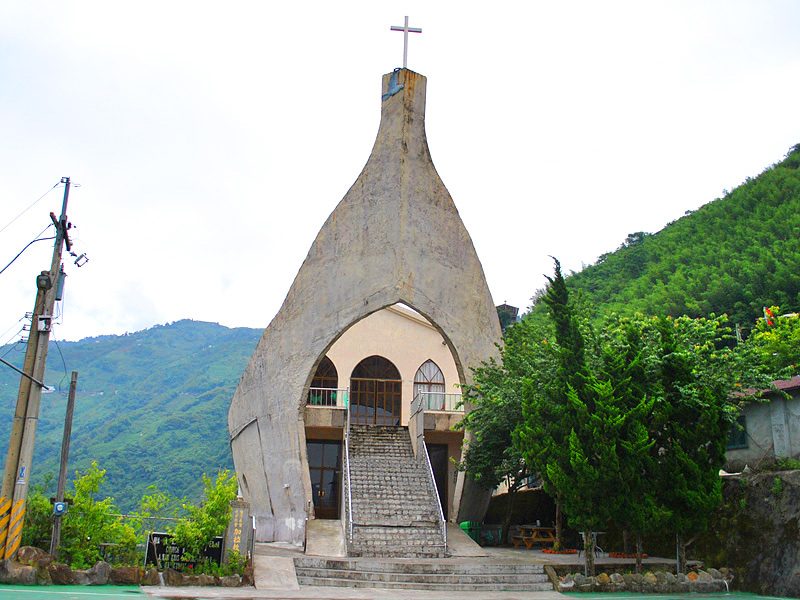 Pay a Visit to Arch Church in Fuxin Township