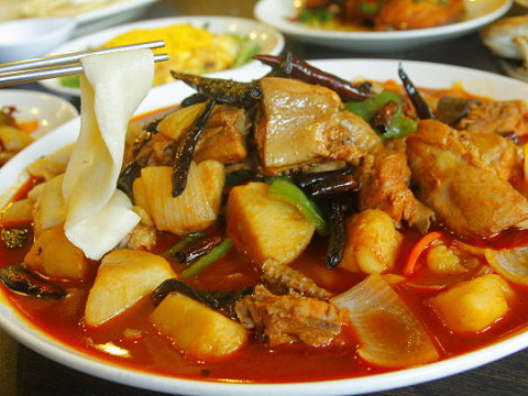 Characteristic Flavor of Xinjiang-style Cuisine Opens up Your Eyes