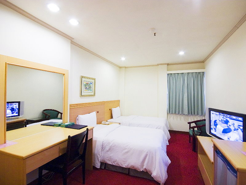 Convenient Accommodation Situated in Downtown Tainan