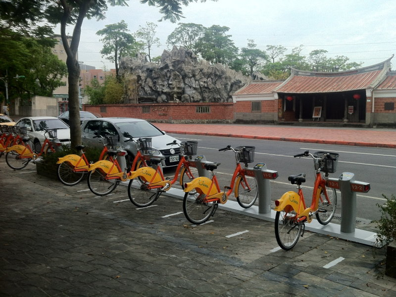 YouBike is more than 100 stops in Taipei
