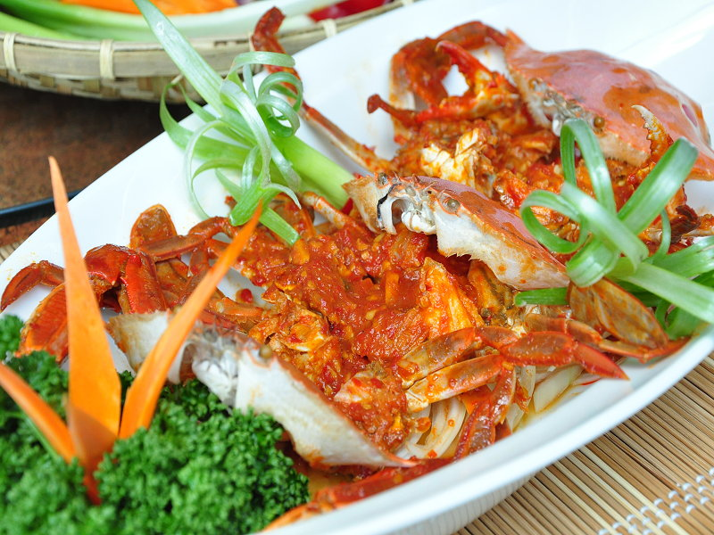 Let's Taste the Popular Chili Crab in Singapore and Malaysian Style